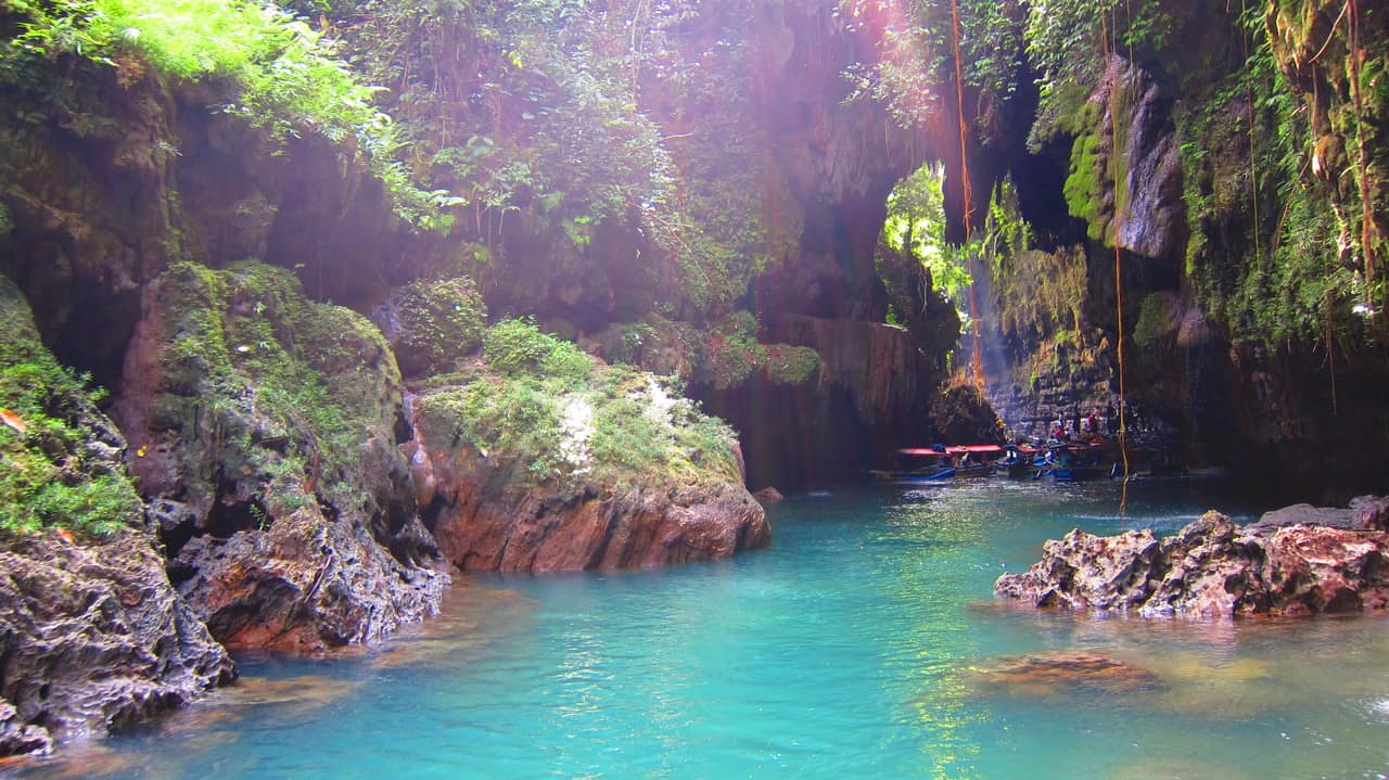 awesome green anyon with green of the plant and blue water - Berpetualang di Green Canyon Kabupaten Pangandaran