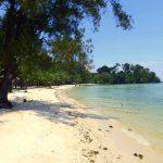 Melirik Keindahan Pantai Melur Di Pulau Batam