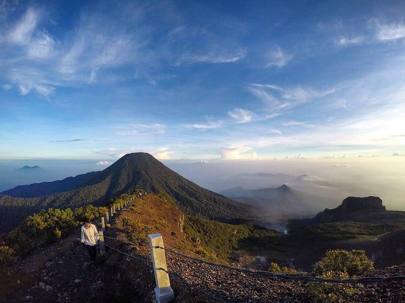 Trekking Di Gunung Gede Pangrango